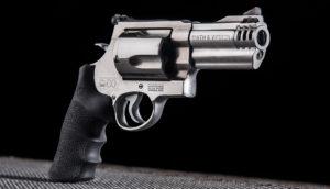 Lövészet Smith Wesson 500 fegyverrel Budapesten